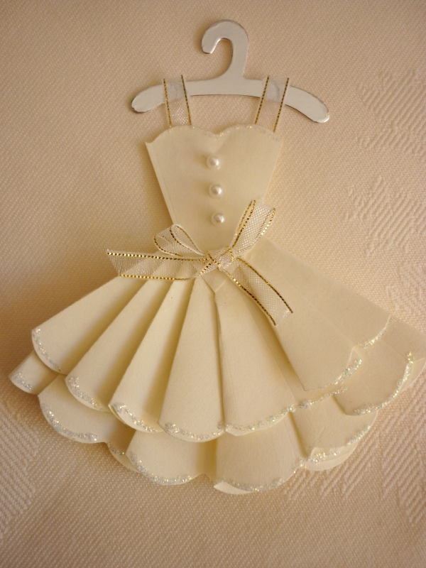Making Mini Dresses and clothes for cardmaking and papercraft – Wedding Dress Template for Cards