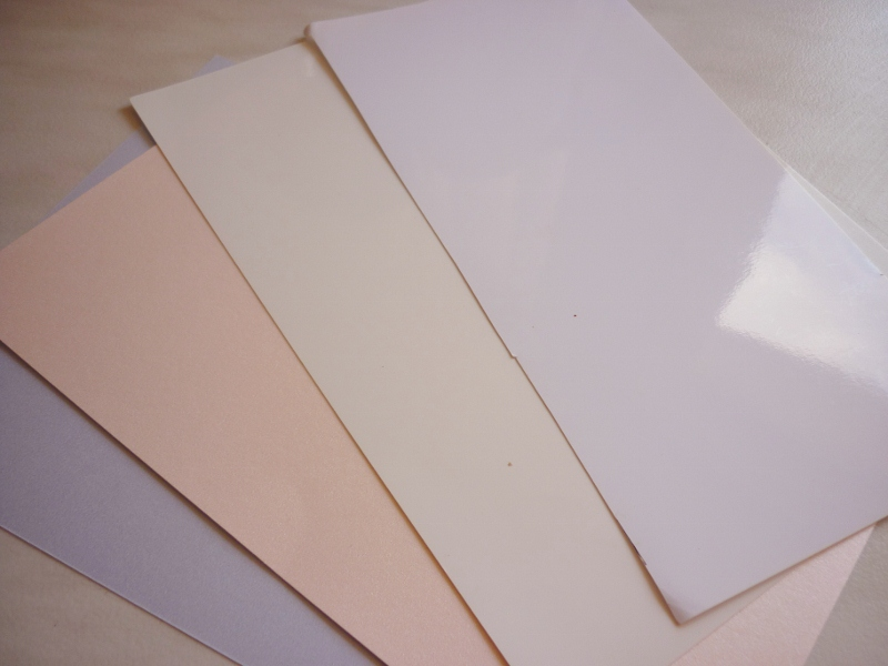 gloss paper Acid free, high quality coated 12 pt white and black card stock great for making memories on cards, albums and journals stamp, brayer, collage, sticker, emboss.