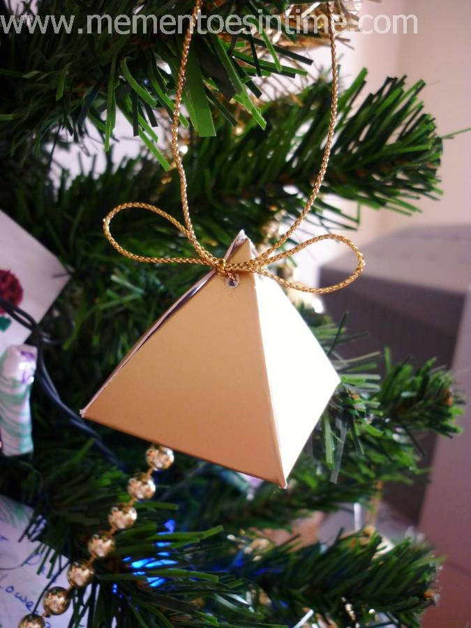 You Can Find The Template To Make This Triangular Tree Box In 3 Different Sizes On Free Stuff Pages Under 24 Days Of Christmas